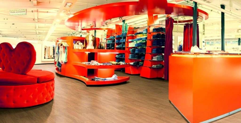 Pavimento FLINT en tienda de ropa