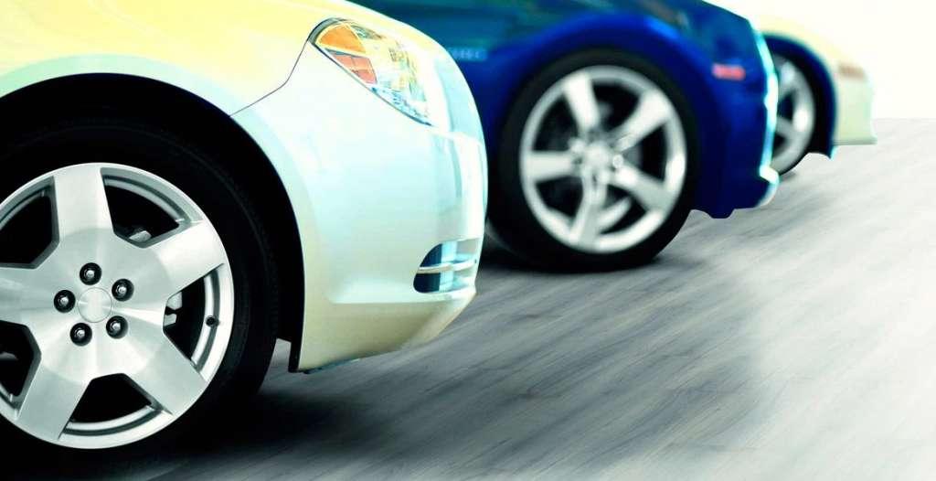 Pavimento FLINT en concesionario de vehículos